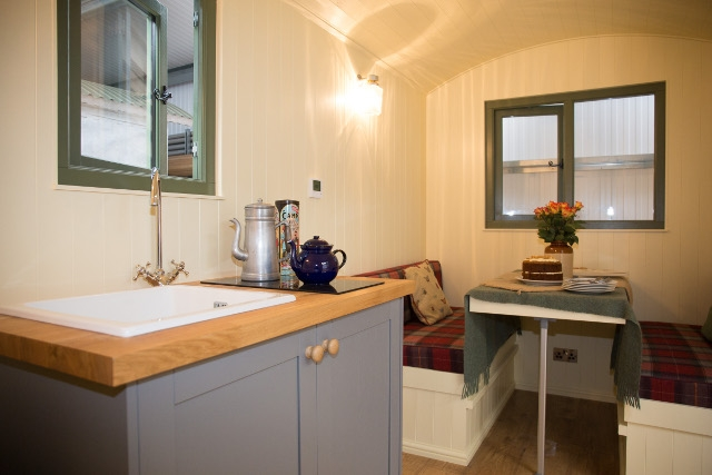 Inside The Tanglefoot En-suite