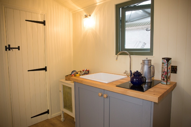 The Tanglefoot En-suite kitchenette