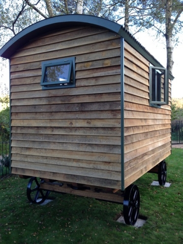 Stockman Handcrafted Shepherd Hut