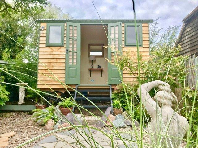 Stockman Tanglefoot Hut