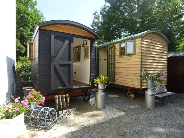 Shepherd Hut Ready to be Delivered to Hotel Conrah