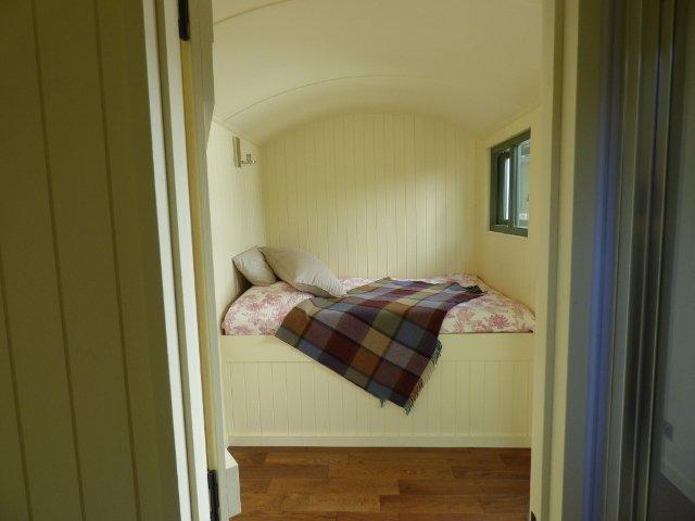 Stockman Shepherd Hut Bed