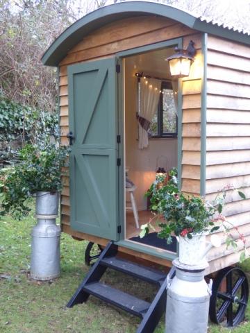 Stockman Panteg Shepherd Hut