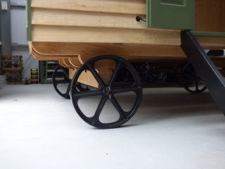 Shepherd Hut chassis and cast iron wheels