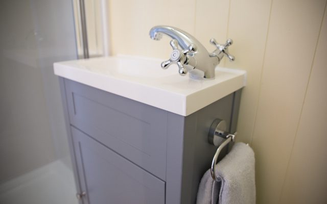 Wash basin in the Tanglefoot En-suite