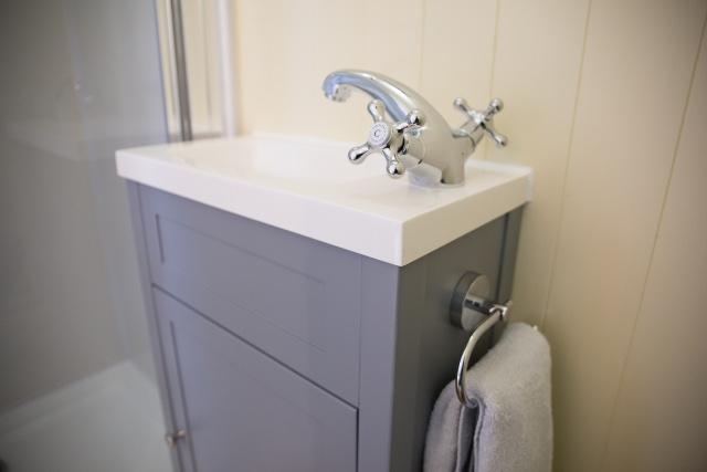 Wash basin in the En-suite Shepherd Hut