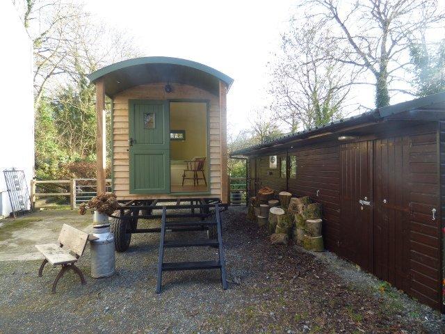 Stockman Shepherd Huts off grid hut