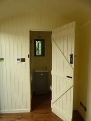 Shepherd Hut - Ensuite Bathroom