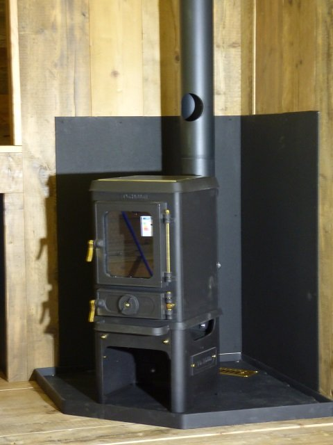 Woodburning stove for Bespoke Shepherd Hut