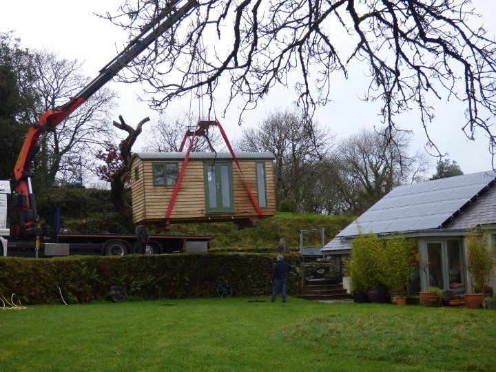 Stockman Shepherd Hut being delivered by crane
