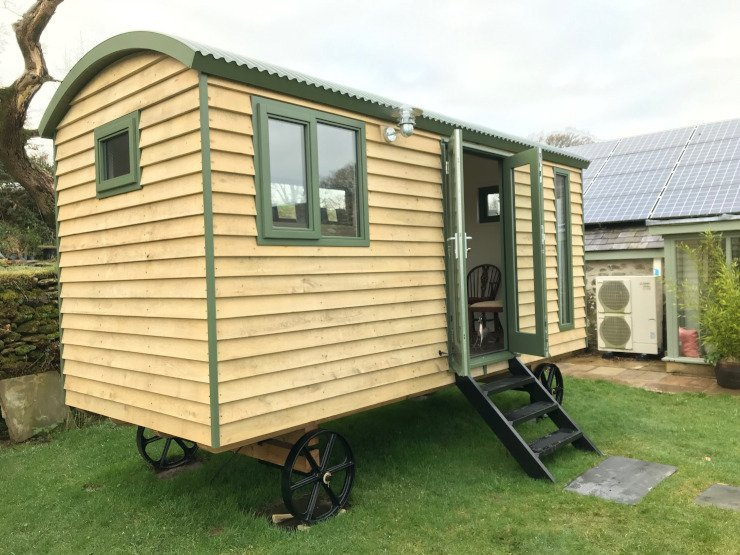 Shepherd's Hut with French doors