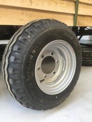 Pneumatic tyre on shepherd hut